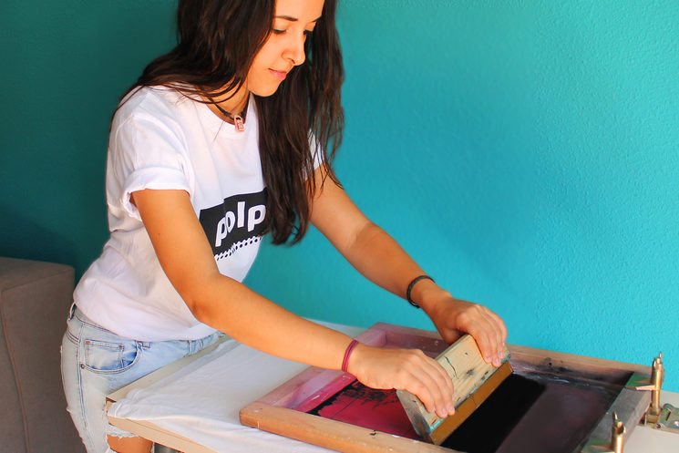 Manual screen printing one by one