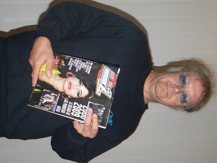 Paice posando con el Popu en 2009