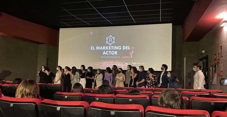 Estos somos nosotros, presentando unos cortometrajes que dirigimos durante el mes de julio, gracias al equipo de El Marketing del Actor.