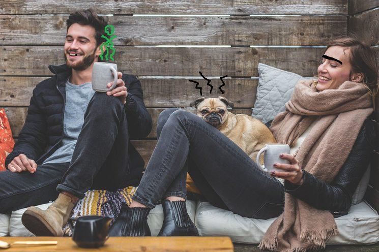 ¿Qué tipo de cosas crees que podrían transformar una situación tan confortable y cotidiana como lo es el hecho de tomar café en un auténtico desmadre? ¡Descúbrelo en Café con mala leche!