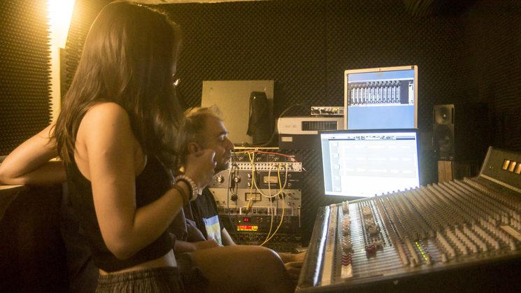Con Sergio Lacasia en el estudio Lacasia de la Música