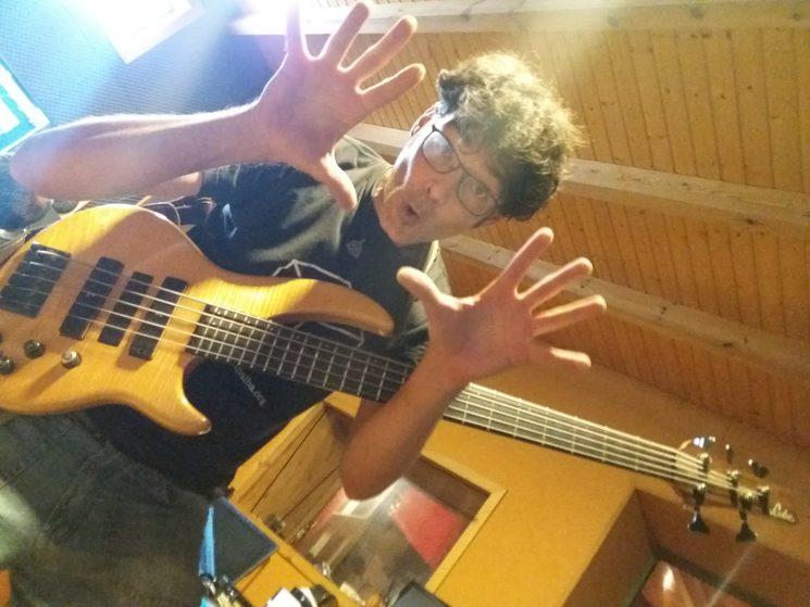 Xavier Alaman bass guitar master!