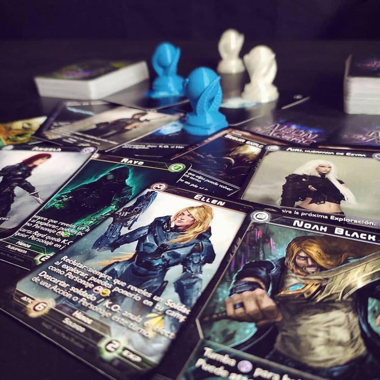 Materiales de las pruebas de juego: cartas y Esferas 3D