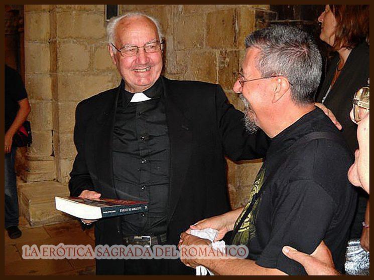 D.Bernardino (izda) con el autor.  Siones (Burgos) 10-08-2009