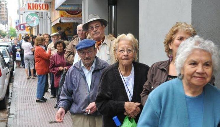 Siete de cada diez abuelos bajo la línea de la pobreza