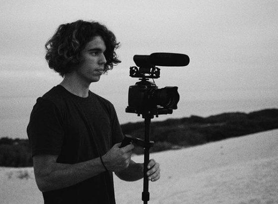 Director, técnico, gaffer, operador de cámara, fotógrafo y creador de contenido.