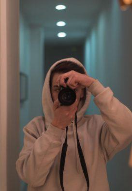 Ayudante de producción, creador de contenido, asesor creativo, fotógrafo...