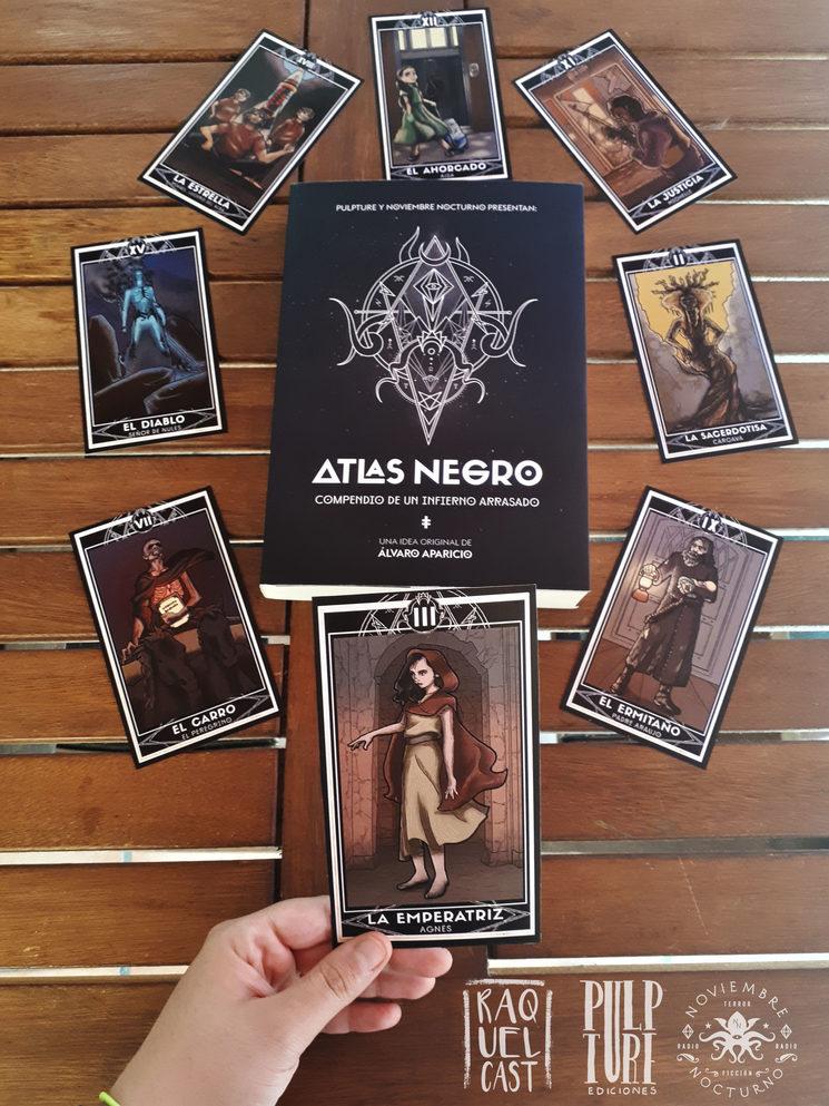 Atlas Negro con cartas