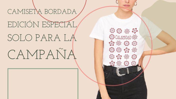 Camiseta de algodón orgánico bordada por artesanas en taller local.