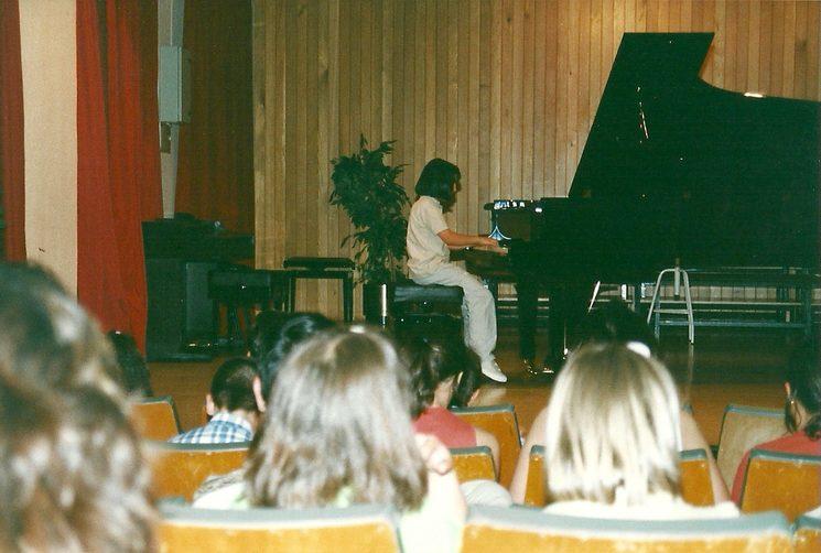 Mini Laura en una audición del conservatorio