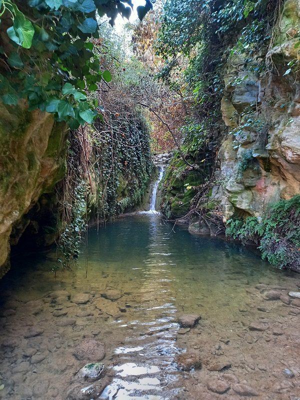 Toll del Molí de Cabrera, al Riu Penàguila (Alcoleja)