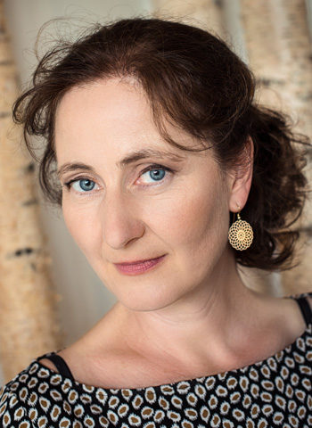 For one piece we have the honour to welcome Ulrike Payer, also for the piano part