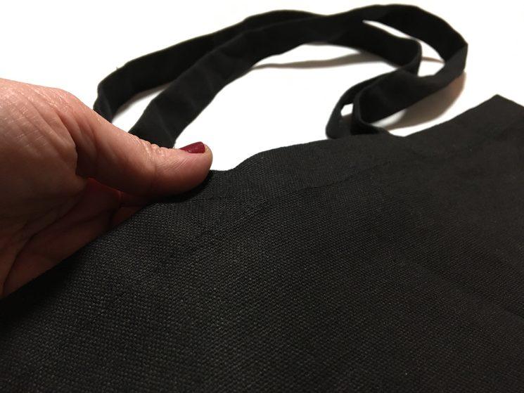 Detalle del material de la totebag, con su algodón tope resistente