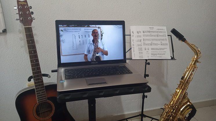 Cursos de música en tu ordenador o teléfono