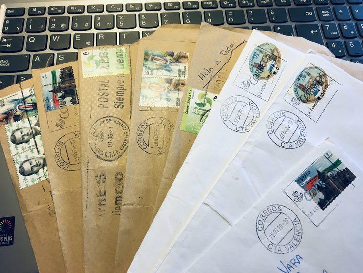 Estas son algunas de las muchas cartas que nos intercambiamos con las redactoras durante el confinamiento y que han dado lugar a algunos textos increíbles de la revista.