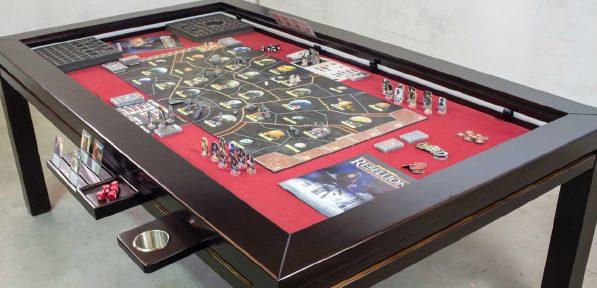 Taula especialitzada en jocs de taula