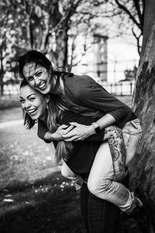 Laura y Sara. Fotógrafa: Luisa Gómez Ardid