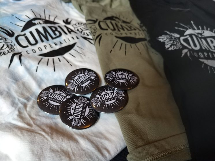 T-shirt and badges