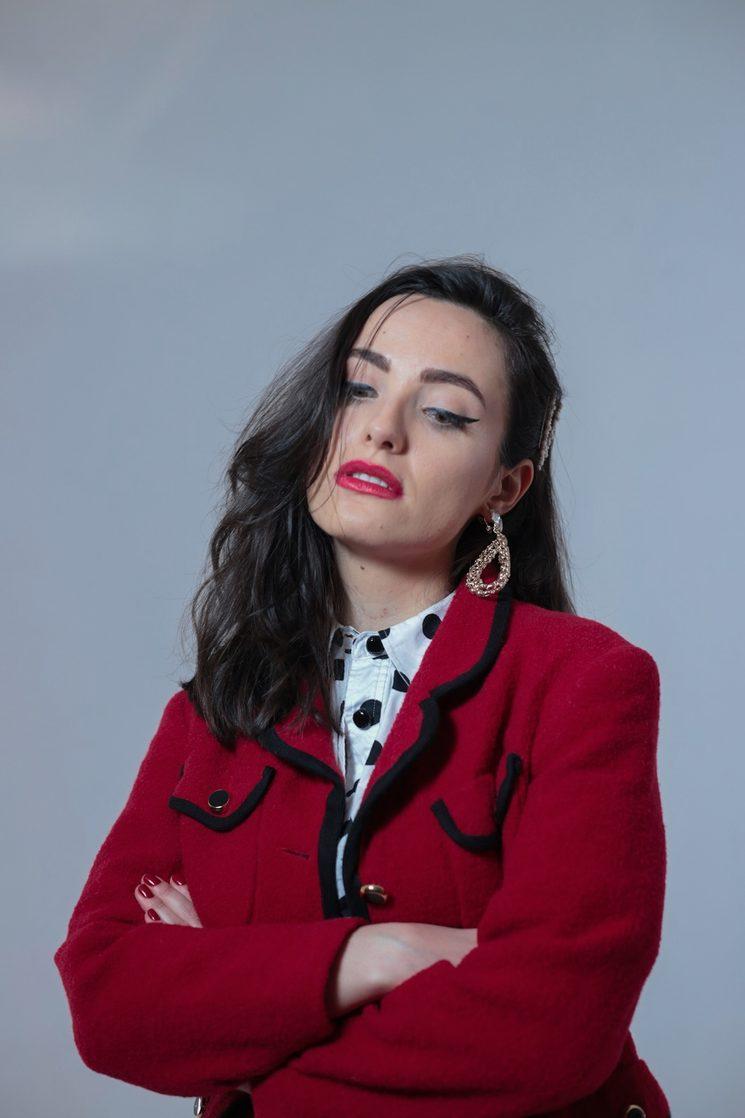 Ariane Gaisán como Siena