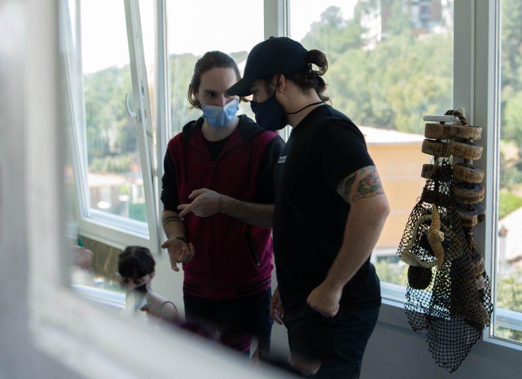 Hèctor Valls y Kenn Oliver durante el rodaje de Corazones de Azul