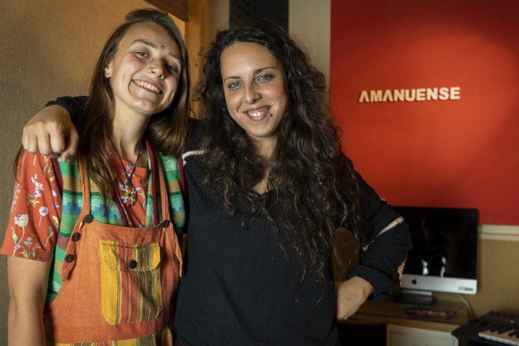 Foto con la productora Agua Sancruz en el estudio Amanuense (Sevilla)