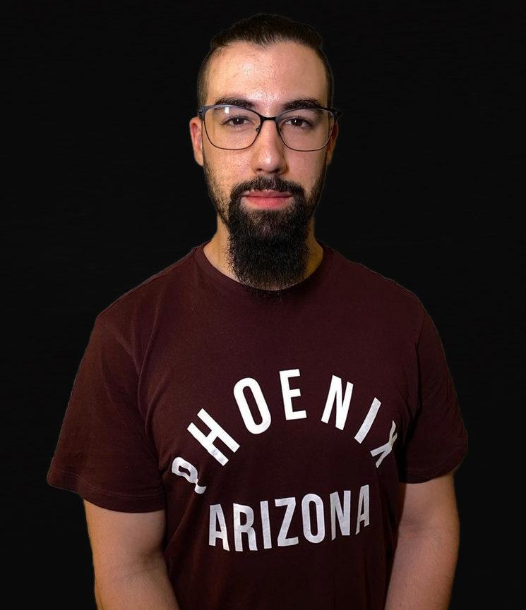 Equipo de fotografía (Iluminación): Antonio Vázquez, estudiante ECAES
