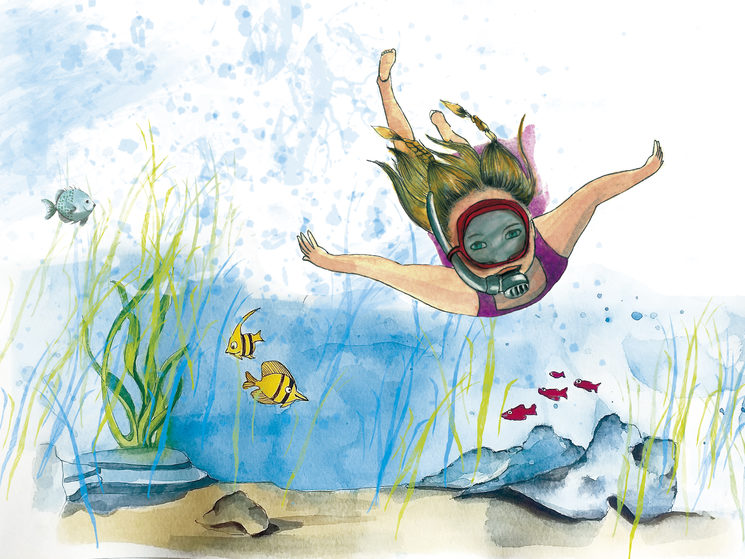 Aloya swiming at the bottom of the sea