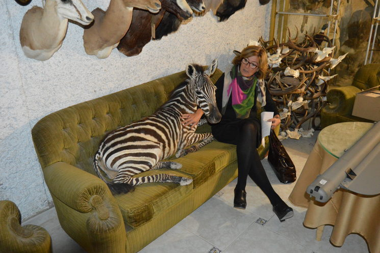 Nuria i Cebra al taller de Granada del reconegut taxidermista Antonio Pérez