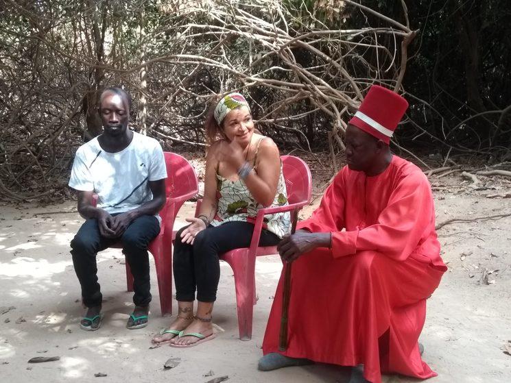 Sibiloumbay Dhiedhou, Rey animista de Oussouye. Día que le presentamos el proyecto.