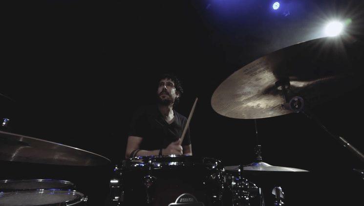 Fotograma de Luismi en el videoclip
