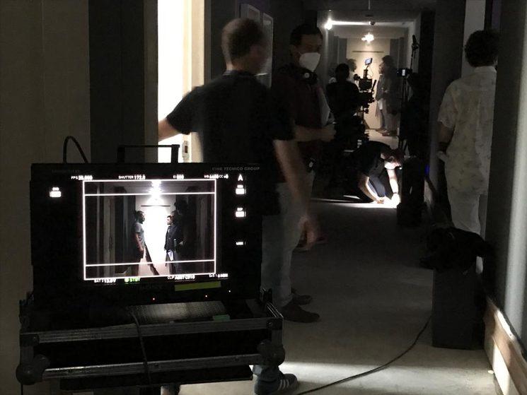 Imagen de preparación rodaje en pasillo del Hotel