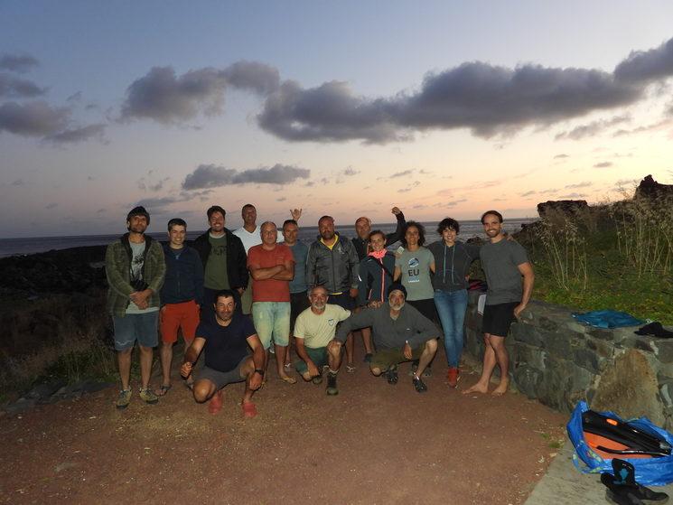 El equipo en Desertas junto a la bióloga y vigilantes de la reserva
