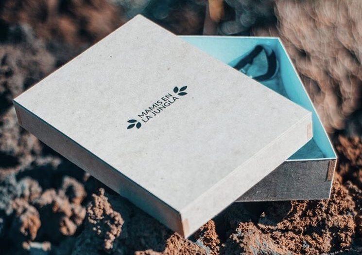 Caja para envío de cartón reciclado