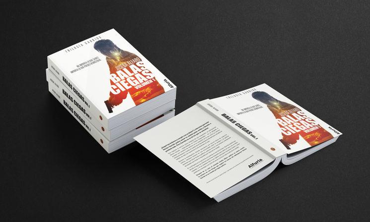 Los diseños de la cubierta, las recompensas y la campaña han sido realizados por la artista Laura Racero.