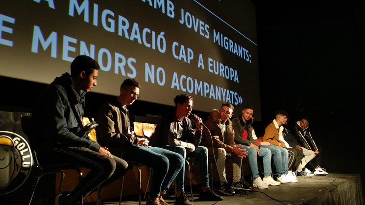 El TERRA GOLLUT film festival, treballa amb col·lectius de menors migrats sols: expliquen la seva experiència a joves del Ripollès i formen part del jurat jove del certamen