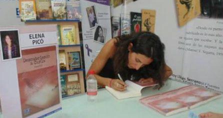 Firma de libros en la Feria del Libro de Alicante 2017