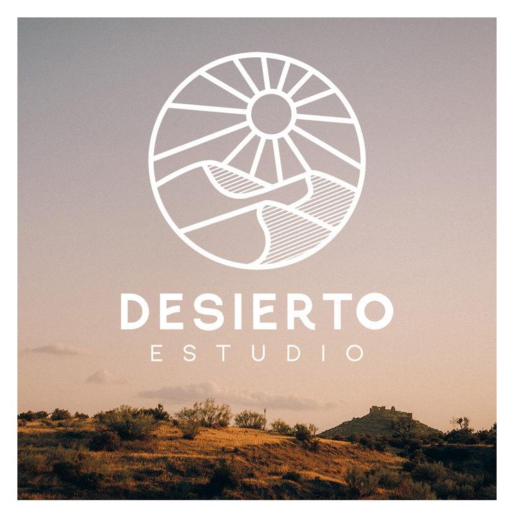 - Logo oficial de Desierto Estudio diseñado por Irene Santaella de Estudio Taro -