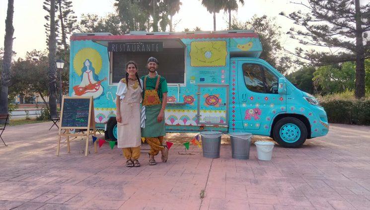 Berta y Philip de la foodtruck ecovegana AguaViento WaterWind